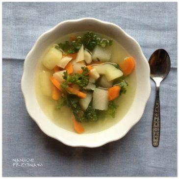 Zupa jarzynowa z jarmużem