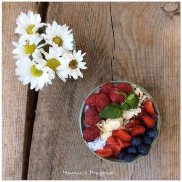 Nasiona chia z owocami