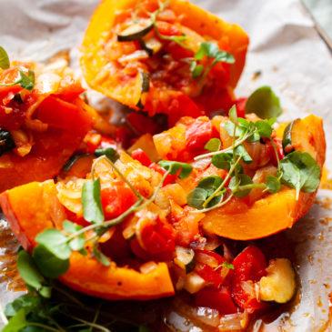 Dynia faszerowana warzywami